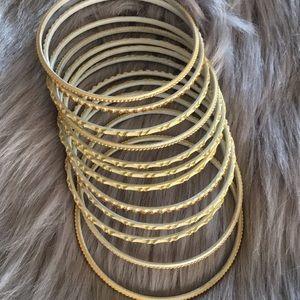 🆕 bundle of 12 bangles